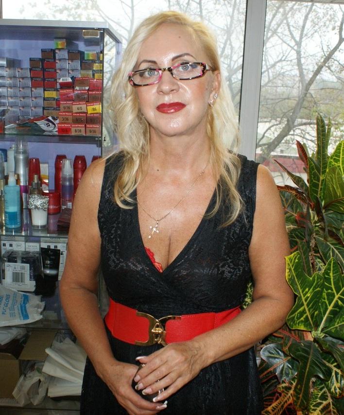 Ирина Слипченко - стилист в салоне красоты Grand Diamond