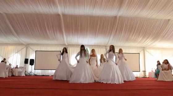 Танец-подарок в постановке студии танца Grand Diamond