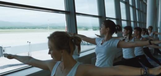 День йоги в аэропорту Кневичи