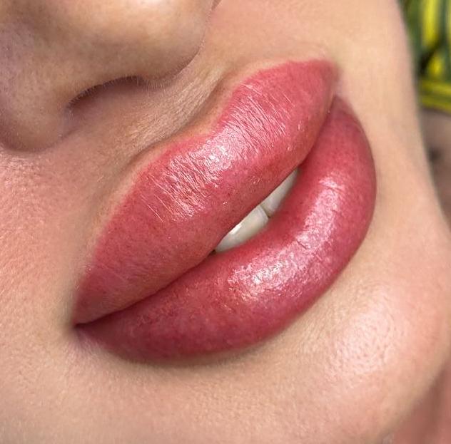 Примеры работ выпускниц курсов перманентного макияжа Grand Diamond